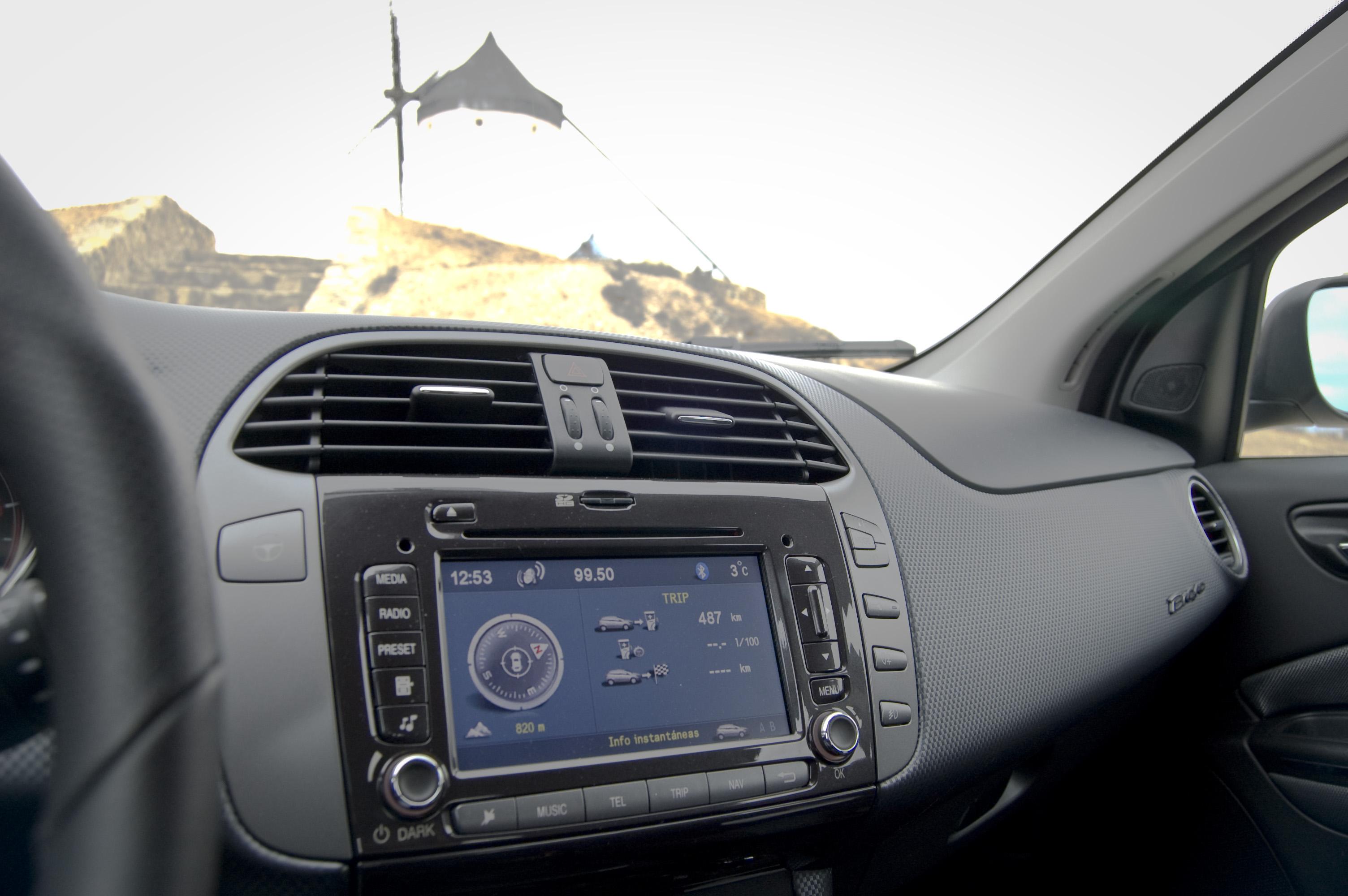 Auto klimatyzacja – jak o nią dbać?