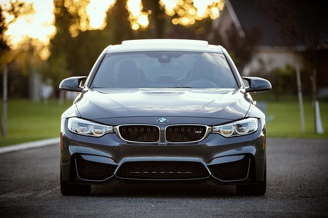 Samochody luksusowe – kiedy się je wynajmuje?