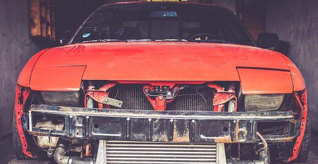 Naprawa pojazdu po wypadku – blacharstwo